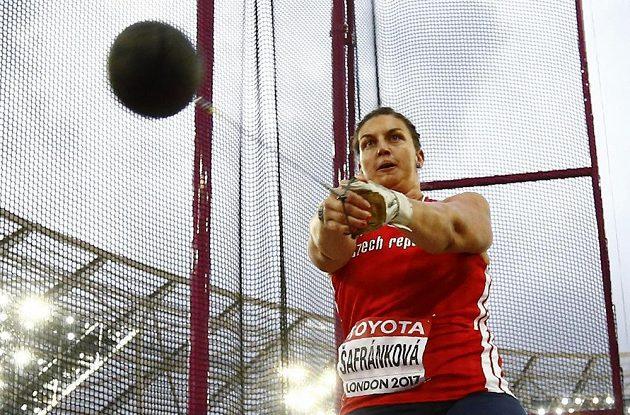 Soustředěný výraz Kateřiny Šafránkové.