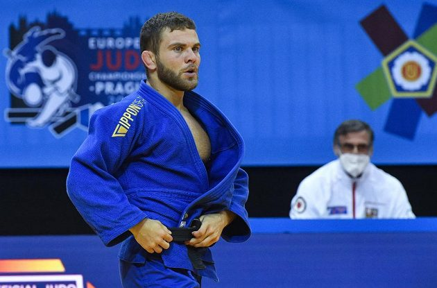 David Pulkrábek v utkání proti Salihu Yildizovi z Turecka.