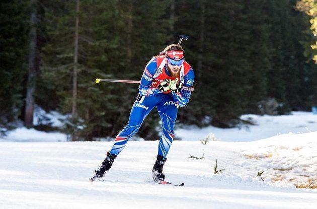 Michal Šlesingr si jako jediný z českých biatlonistů ve stíhačce polepšil.