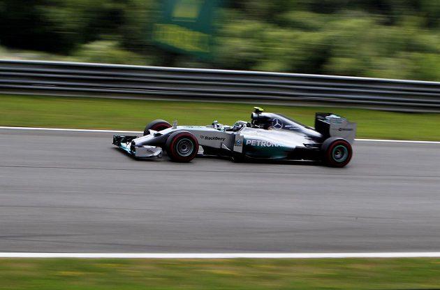 Vedoucí muž průběžného pořadí světového šampionátu F1 Nico Rosberg během kvalifikace na VC Rakouska.