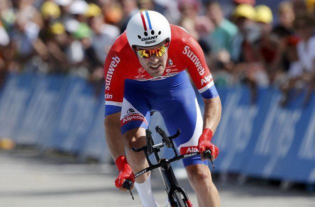 Nizozemec Tom Dumoulin během horské časovky na Tour de France.