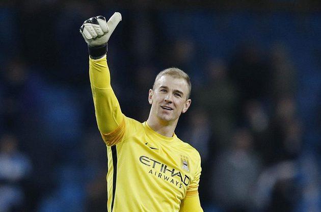 Brankář Manchesteru City Joe Hart se raduje z postupu do čtvrtfinále Ligy mistrů.