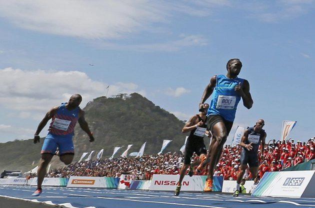 Bolt neměl na Copacabaně vážnou konkurenci.