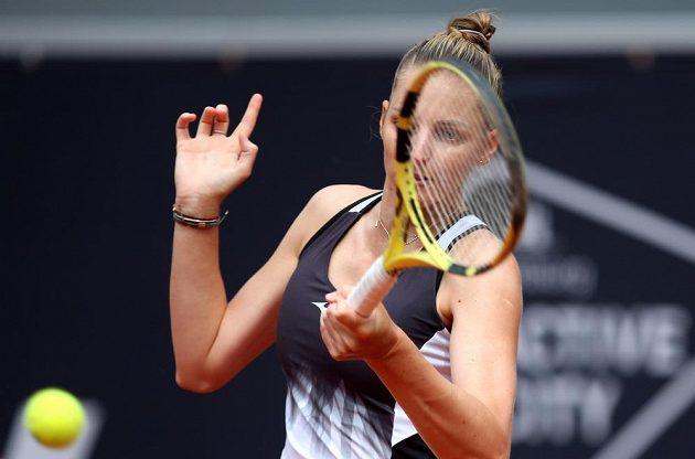 Česká tenistka Kristýna Plíšková si čtvrtfinále v Hamburku nezahraje. Prohrála se Slovinkou Zidanšekovou.