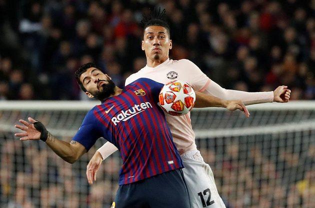 Luis Suárez zaměstnává obranu United