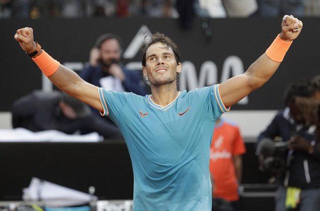 Rafael Nadal slaví triumf na turnaji v Římě