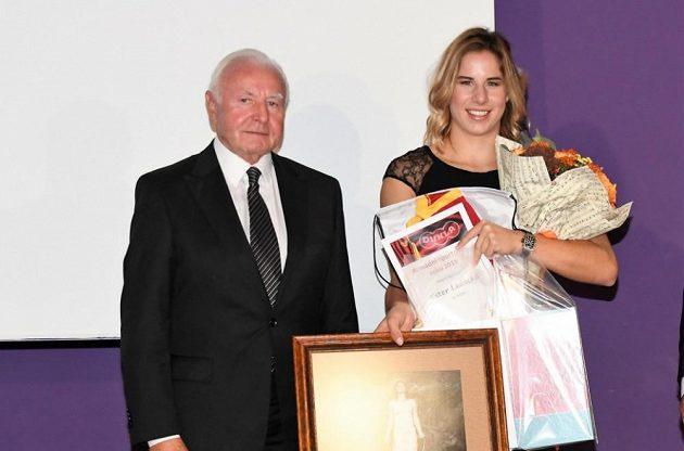 Ester Ledecká s dědou Janem Klapáčem