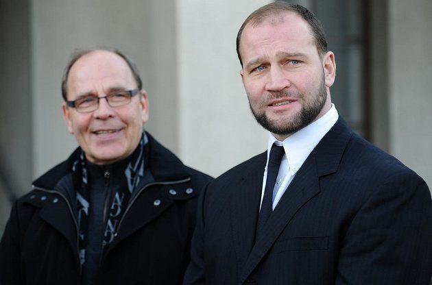 Hokejista Litvínova Jiří Šlégr (vpravo) a jeho otec Jiří Bubla.