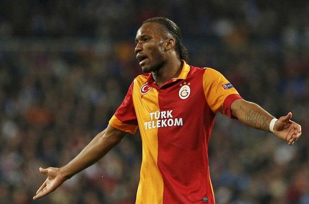 Vyhlášený kanonýr Didier Drogba vyšel v utkání Ligy mistrů proti Realu Madrid stejně jako jeho spoluhráči z Galatasaraye střelecky naprázdno.