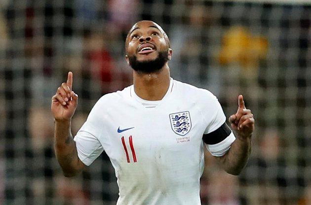 Raheem Sterling otevřel skóre, jeho zásluhou Anglie vedla nad Českem 1:0.
