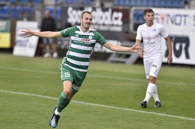 Roman Květ z Bohemians se raduje z gólu.