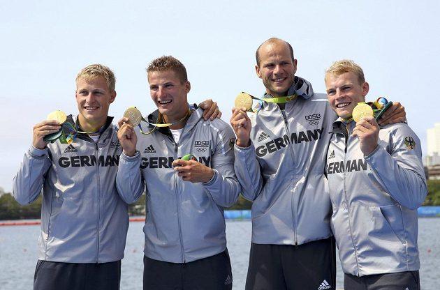 Zlatí medailisté z Německa Max Rendschmidt, Tom Liebscher, Max Hoff a Marcus Gross.