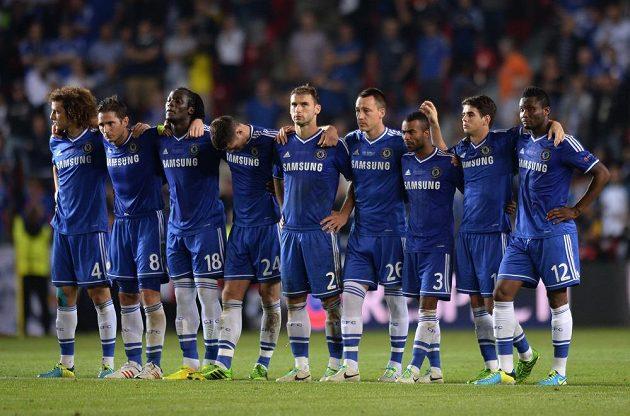 Hráči Chelsea během penaltového rozstřelu v utkání Superpoháru proti Bayernu Mnichov.