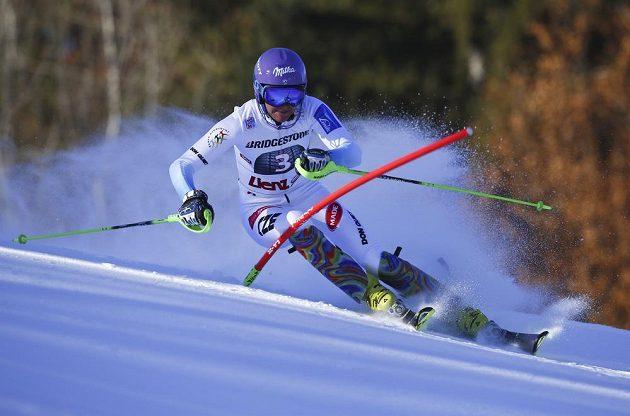 Česká lyžařka Šárka Strachová během prvního kola slalomu SP v Lienzu.