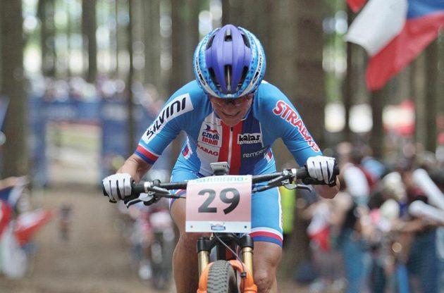 Česká reprezentantka Kateřina Nash skončila na MS horských kol v Novém Městě na Moravě sedmá.