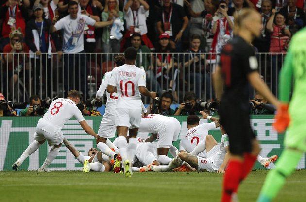 Anglická radost v semifinále fotbalového MS, kdy byl soupeřem Anglie tým Chorvatska.