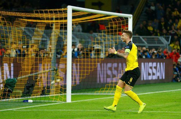 Marco Reus lituje zahozené šance v zápase proti Barceloně
