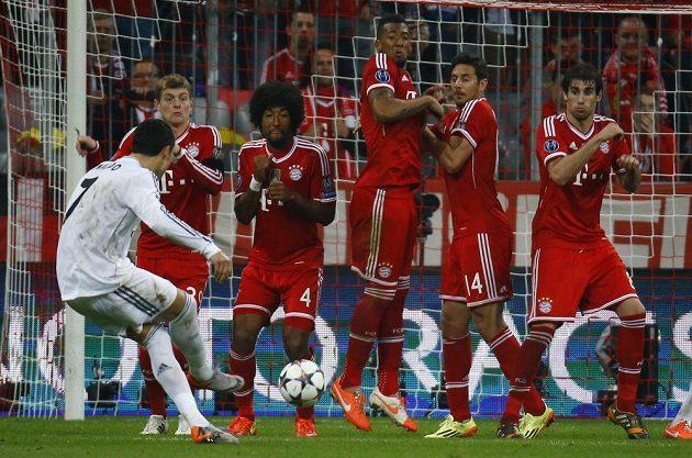 Takhle vstřelil Cristiano Ronaldo čtvrtý gól Realu.