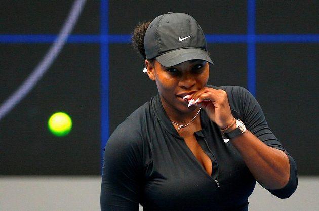Serena Williamsová při tréninku v Melbourne.