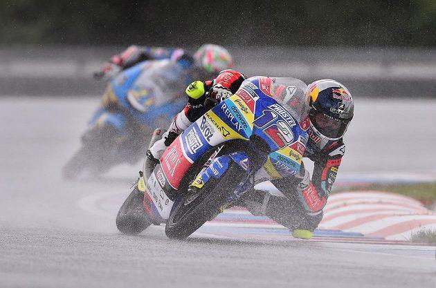 Jezdec kategorie Moto3 Filip Salač si v kvalifikaci na Velkou cenu České republiky vyjel 14. příčku na startu.