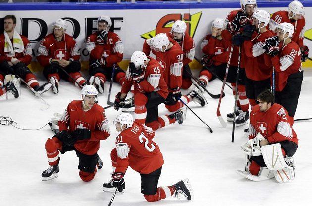 Smutek, Švýcarsko padlo ve finále.