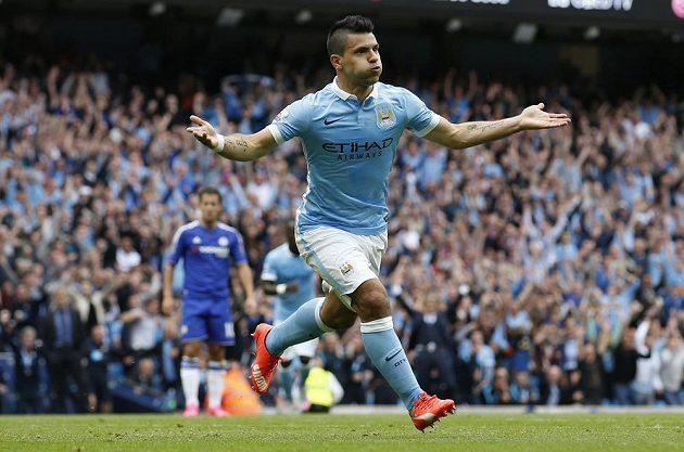 Sergio Agüero z Manchesteru City jásá, dal gól proti Chelsea.