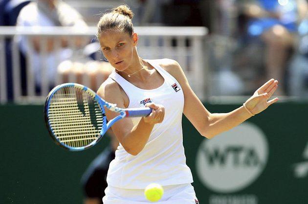 Tenistka Karolína Plíšková potvrdila před Wimbledonem skvělou formu, postoupila do finále turnaje v Eastbourne.