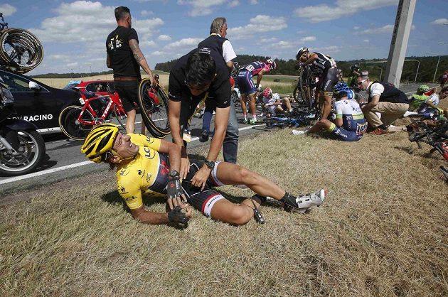 Chvíli se zdálo, že Švýcar Fabian Cancellara ze stáje Trek Factory nebude moci pokračovat v závodě.