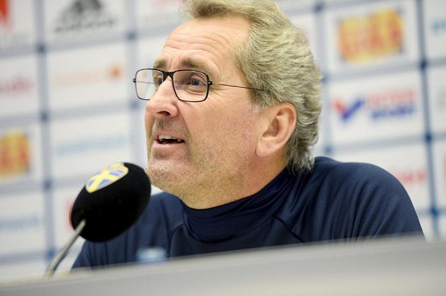 Švédský kouč Erik Hamrén na tiskové konferenci před zápasem s Českem.