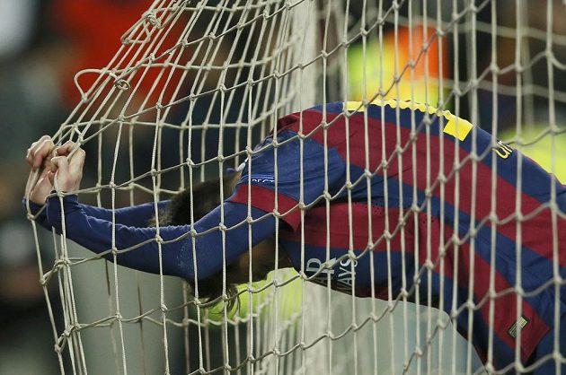 Lionel Messi měl v osmifinálové odvetě Ligy mistrů proti Manchesteru City několik šancí, přesto míč z jeho kopačky v síti neskončil.