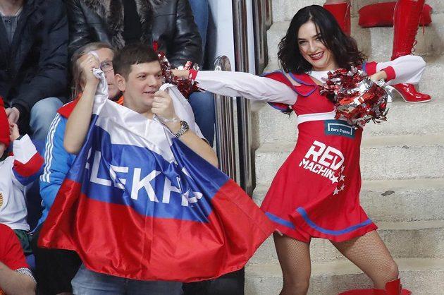 Ruští fanoušci si utkání s Čechy užívali.