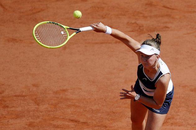 Barbora Krejčíková v osmifinálové bitvě na French Open.