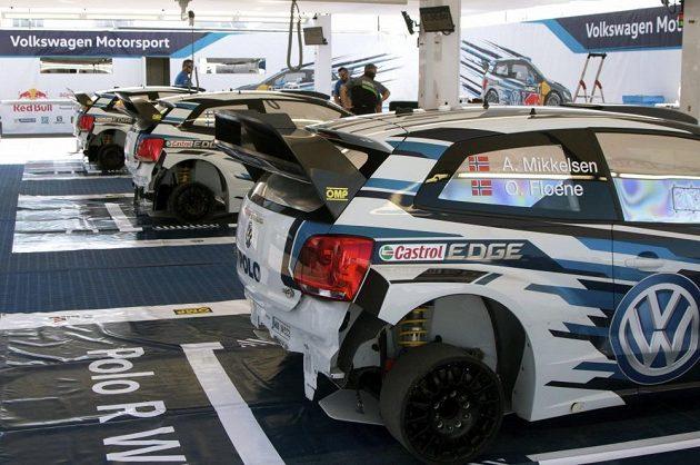 Zázemí týmu Volkswagen během Mexické rallye.