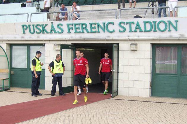 Tomáš Sivok přichází na plochu slavného stadiónu.