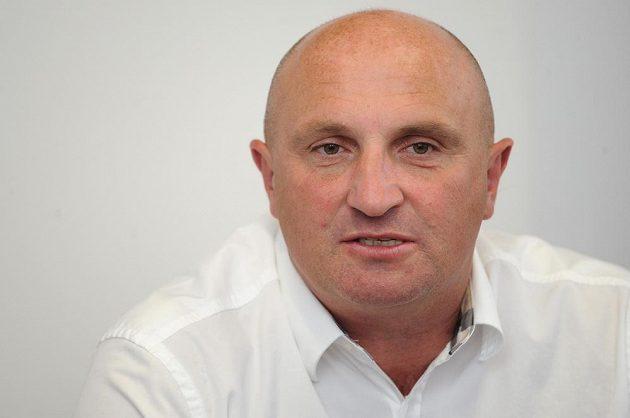Nový generální ředitel Slavie Jaromír Šeterle se dal v Edenu do práce.