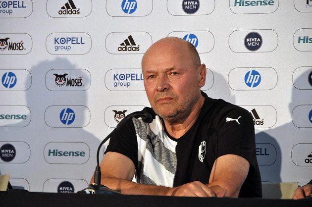 Trenér Viktorie Plzeň Miroslav Koubek před zápasem 3. předkola fotbalové Ligy mistrů, v kterém se Západočeši utkají s domácím týmem Maccabi.