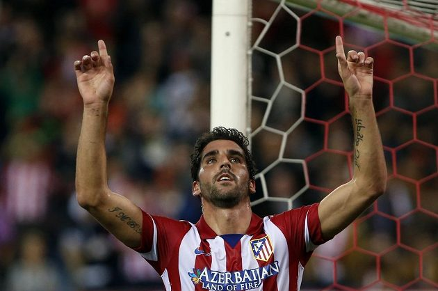 Raúl Garcia z Atlétika Madrid oslavuje svůj gól proti Austrii Vídeň.