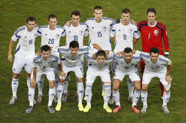 Týmová fotografie Bosny před zápasem proti Nigérii.