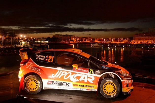 Ford Fiesta WRC Martina Prokopa před startem Portugalské rallye.