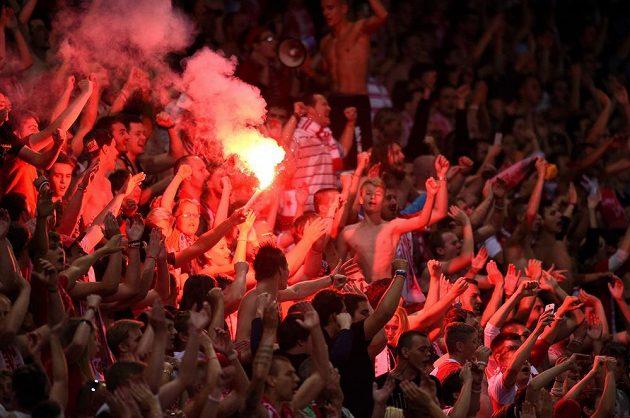 Slávističtí fanoušci během utkání s Plzní.
