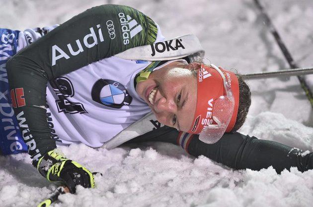 Německá závodnice Laura Dahlmeierová v cíli sprintu.