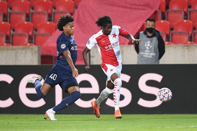 Olayinka zaměstnává obranu dánského týmu