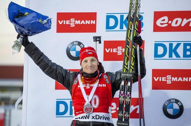 Ondřej Moravec si ve sprintu v Östersundu dojel pro druhé místo.