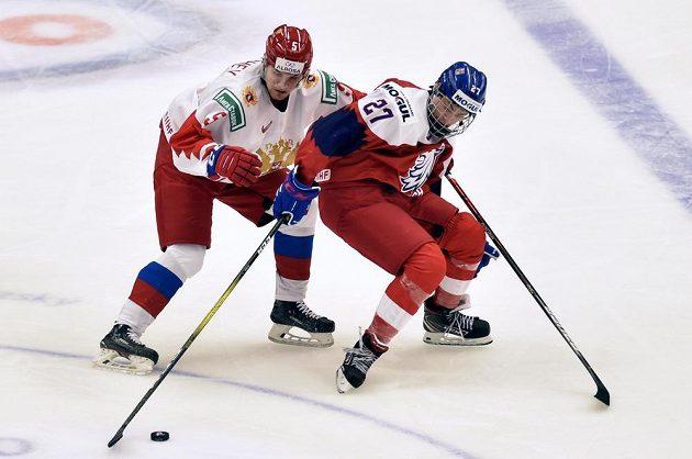V souboji (zleva) Anton Malyšev z Ruska a Jan Myšák.