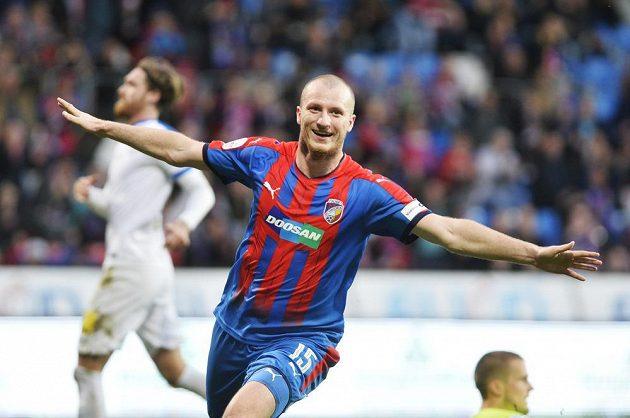 Michael Krmenčík z Plzně se raduje ze svého gólu do liberecké sítě.