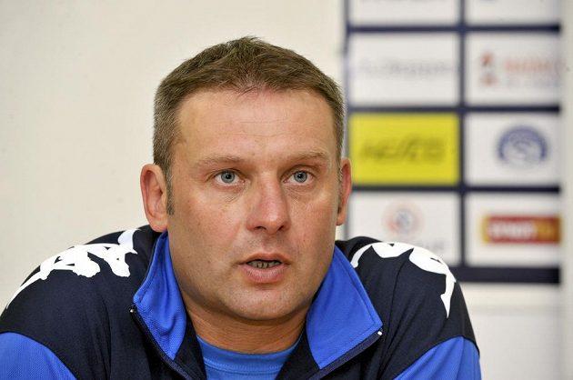 Trenér Slovácka Svatopluk Habanec na předsezónní tiskové konferenci.