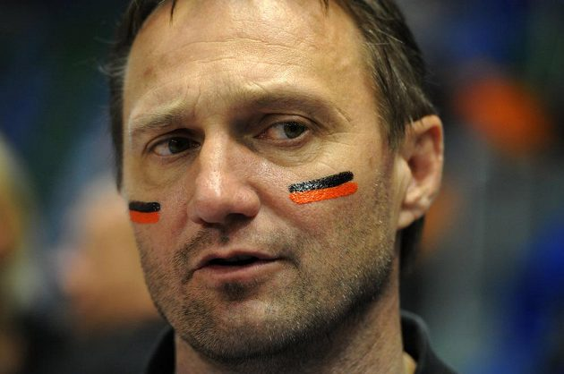 Trenér mosteckých házenkářek Ľuboš Hudák.