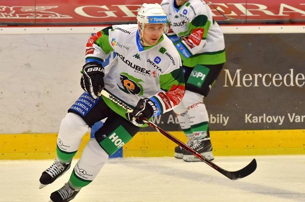 Nováčkem v karlovarském týmu je Jakub Černý.
