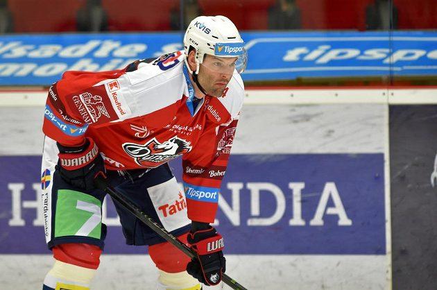 Obránce hokejových Pardubic Stěpan Zacharčuk.