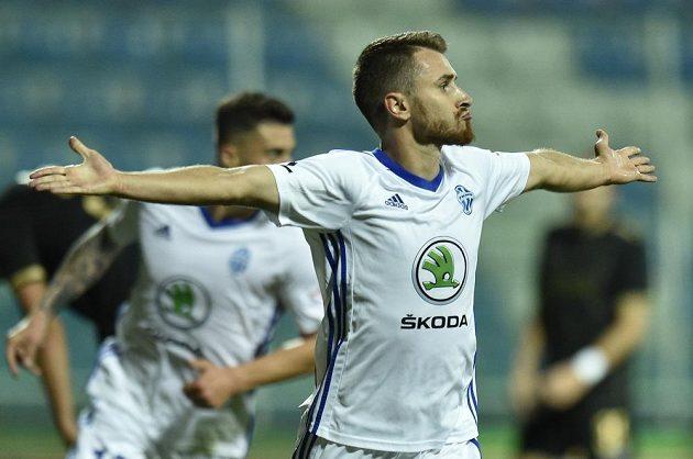 Dominik Mašek z Boleslavi se raduje z druhého gólu proti Jablonci.